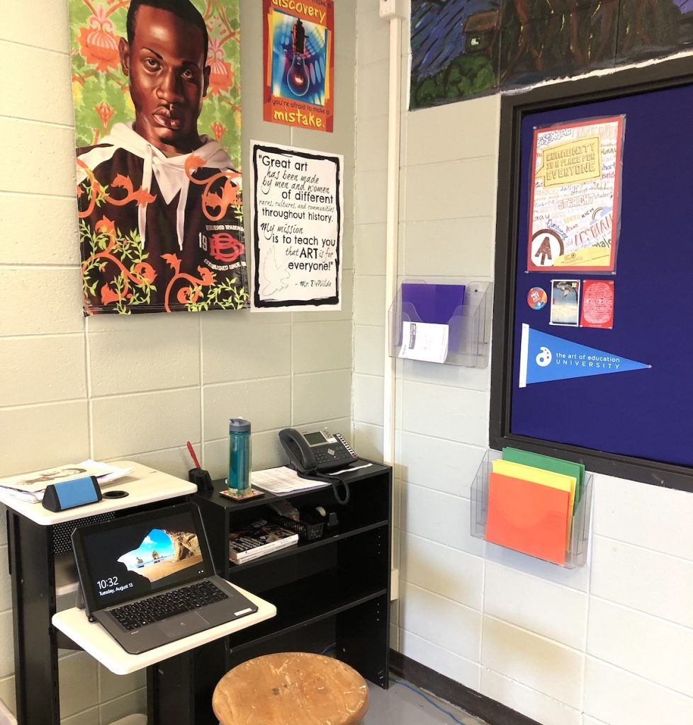 image of teacher desk